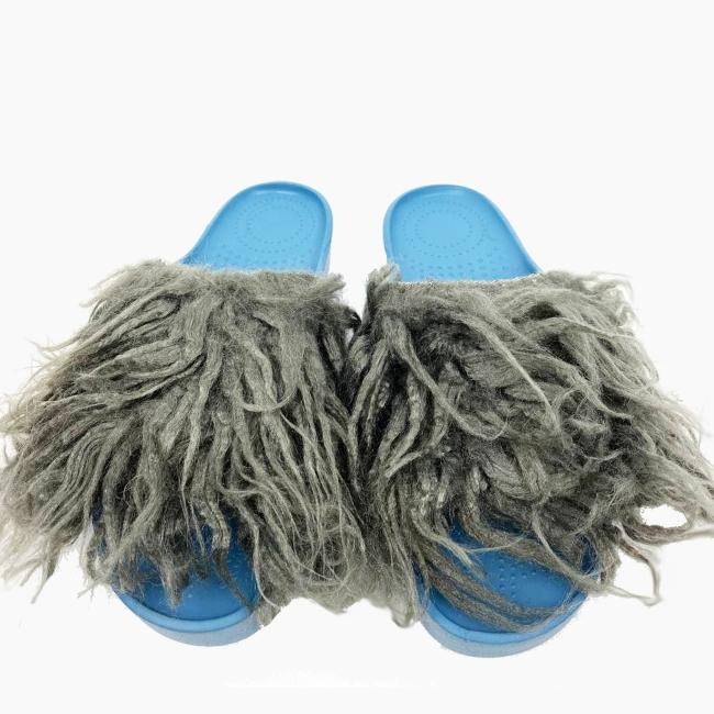 Декоративна накладка на Шльопанці O shoes лама Блакитно-Сірий