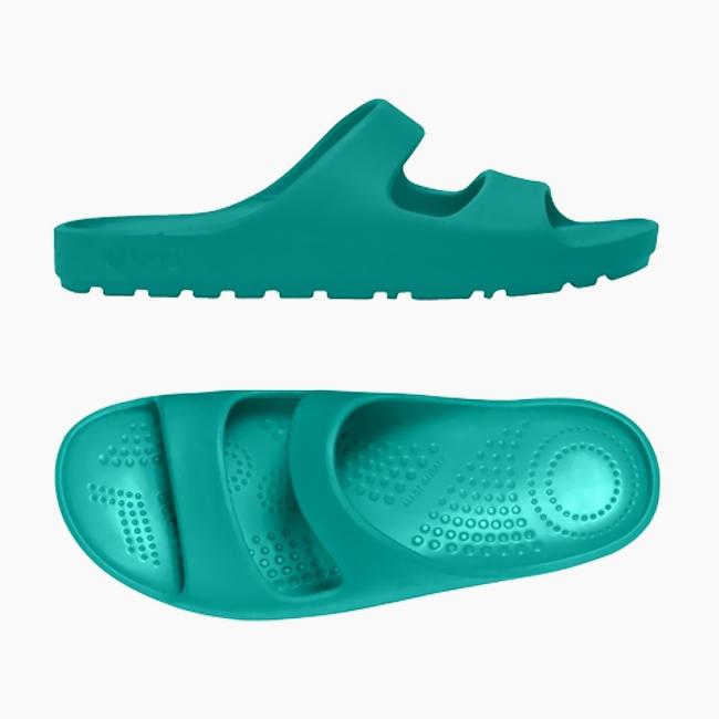 Шльопанці O shoes на нізькій платформі жіночі Аква